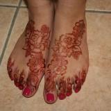 Татуировки хной (менди) на ногах — 8 фото