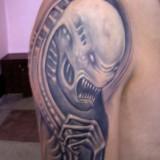 Татуировки Чужой и Хищник — фото