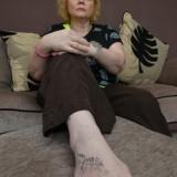 Женщине из-за татуировки на ноге чуть не отрезали ногу — 7 фото