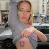 Скарлетт Йоханссон сделала новую татуировку (фото)