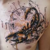 Татуировка скорпион на груди