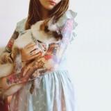 Кот на руке