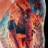 Человек паук под мышкой