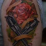 Тату: роза и пистолеты