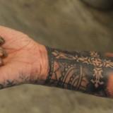 Рианна сделала новое тату на руке (6 фото)