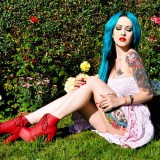 Цветные татуировки на девушке (6 фото)