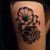 Традиционные черно-белые тату
