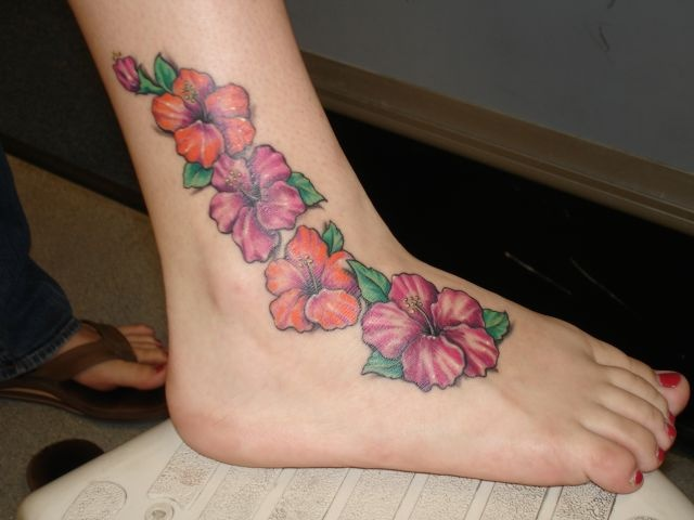 татуировки женские на ноге