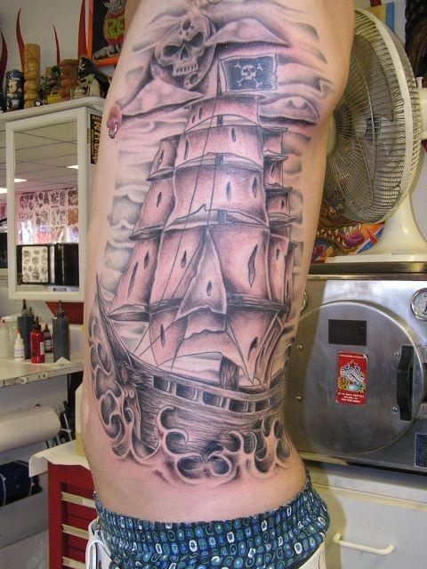 татуировки на спине (19)