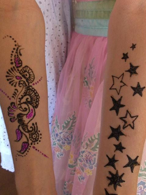 татуировки хной на руках для девушек