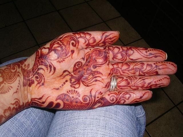 временные татуировки на руках