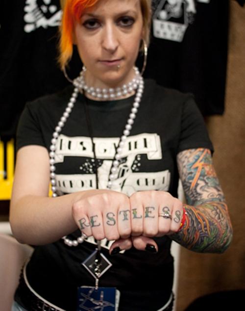 Татуировки на пальцах рук фото