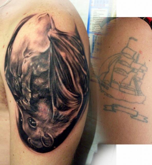 летучая мышь рисунок тату