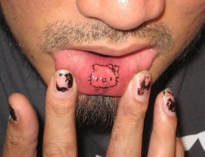 татуировки на губе (29)
