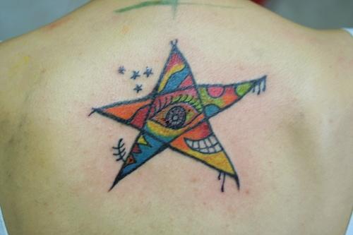 татуировка звезда на спине (star tattoos)