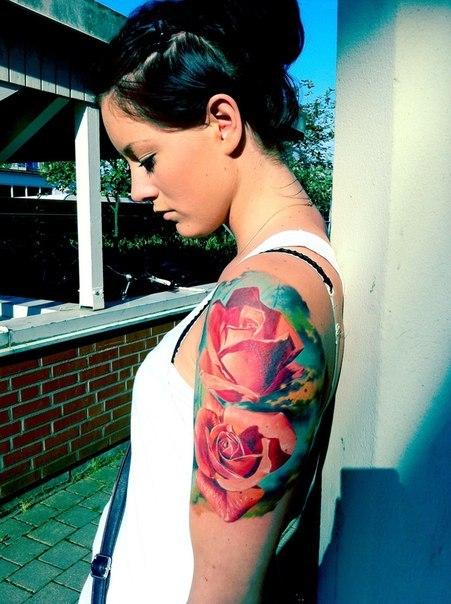 татуировки на женском теле (19)