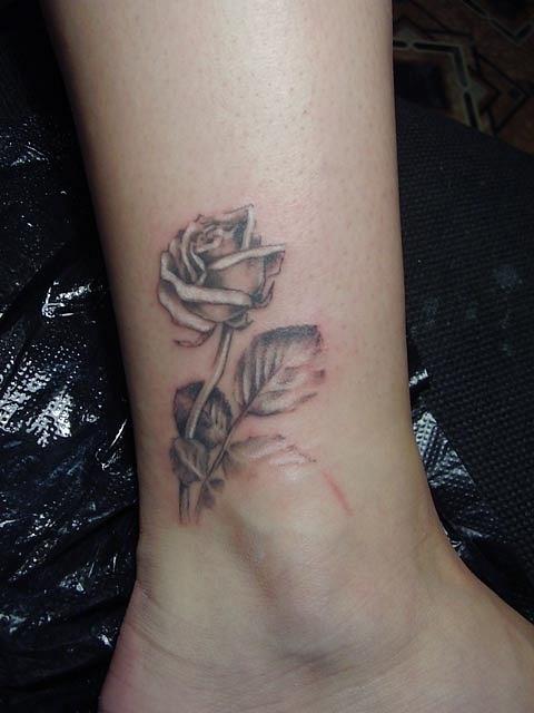 Татуировки и эскизы розы (37)