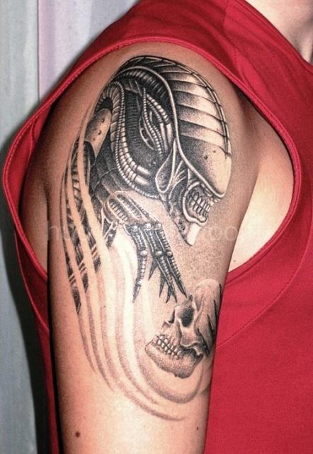 Татуировки Чужой и Хищник (18)