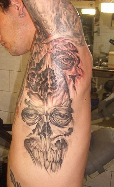 татуировки черепа (18)