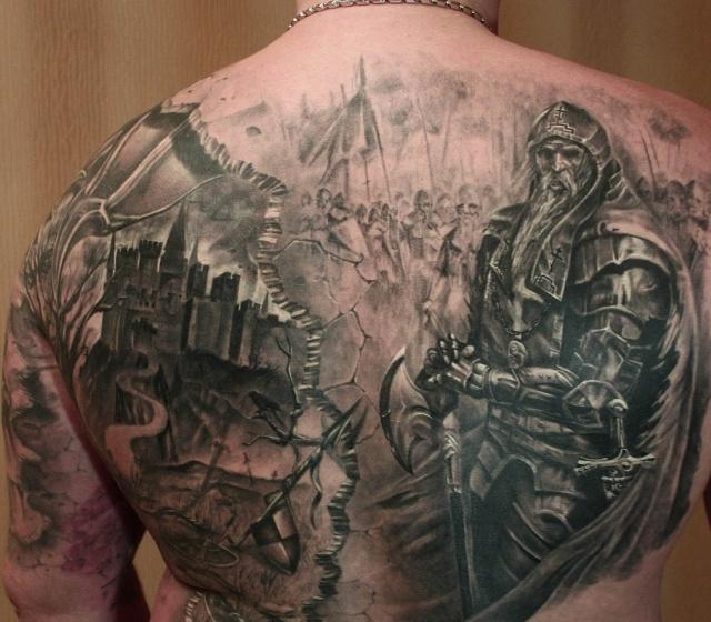 Татуировки рыцарей на спине