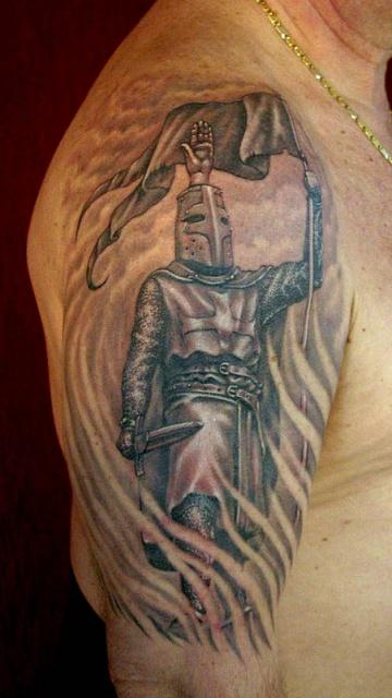 Татуировка тамплиера на руке