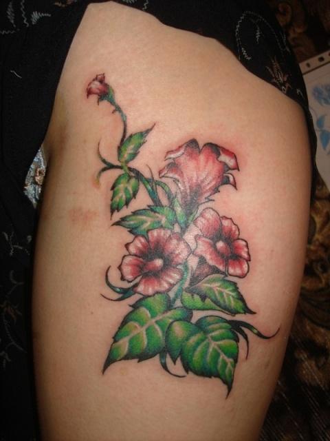 Татуировки цветов на теле (14)