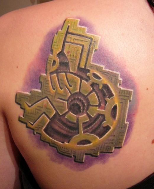 татуировки биомеханика на плече