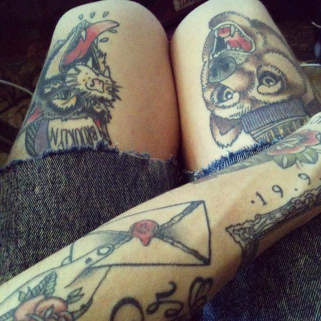 Красивые татуировки животных на женской ноге