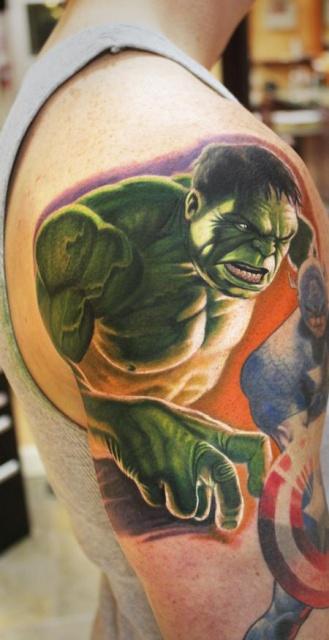 татуировки комиксы: Халк и Капитан Америка (23)