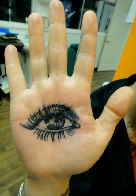 Фото мастера татуировщика Xoil (3)