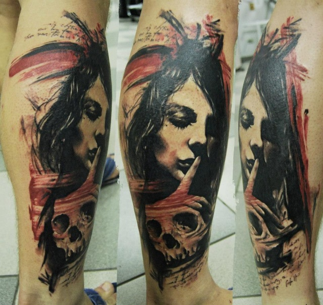 татуировки-женские портреты на ноге
