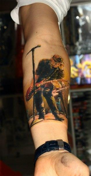 Фото музыкальной татуировки
