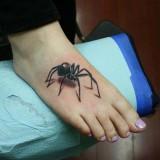 3d татуировка паука на ноге