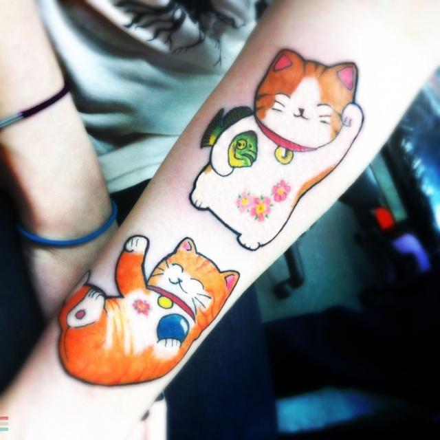 Красивые татуировки котов на руке