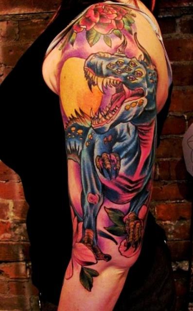 Татуировки динозавр на руке