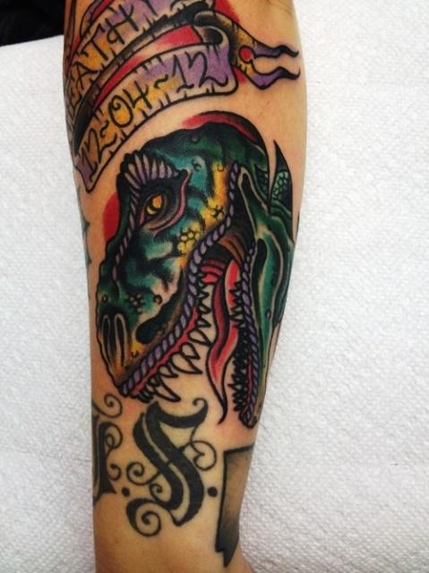 Татуировки динозавры руки