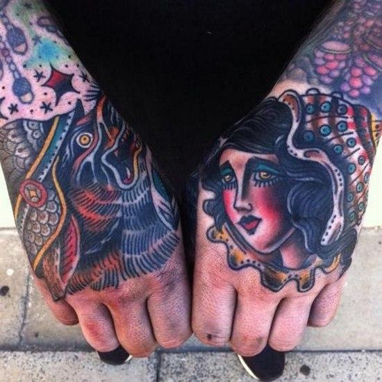 Татуировки на кистях рук (5)