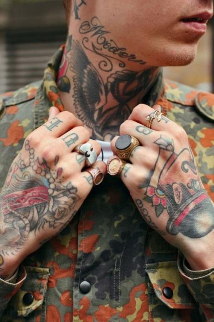 Мужские татуировки на шее и руках (1)