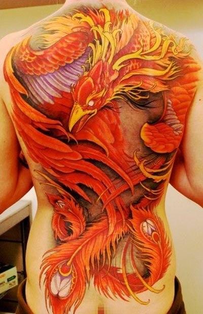 Татуировки птицы Феникс на спине