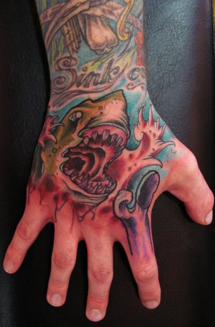 Татуировки акулы (1)