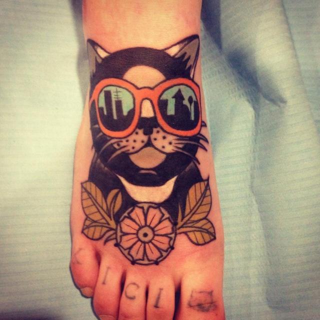 кот татуировки нога