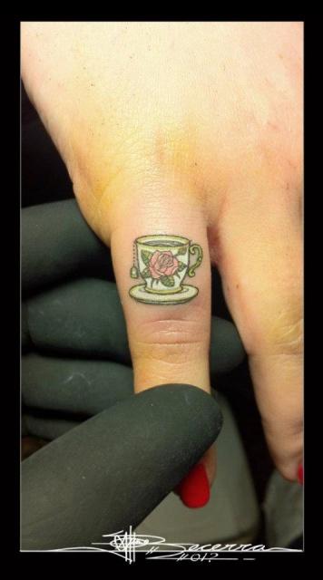 татуировки руки пальцы (8)