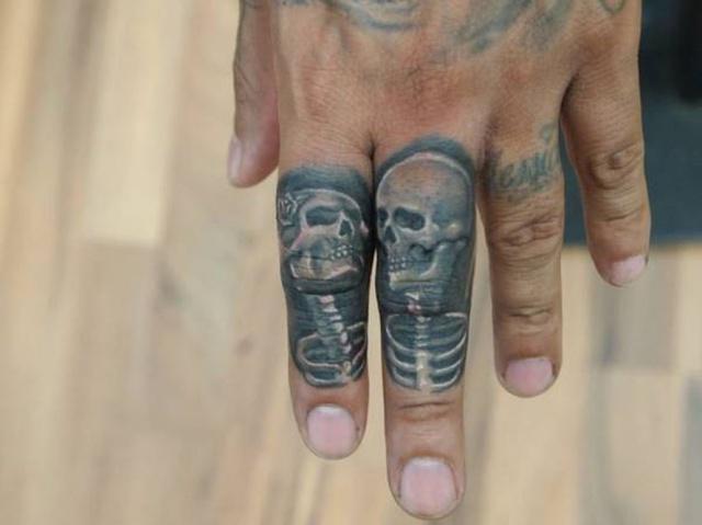 татуировки руки пальцы (7)