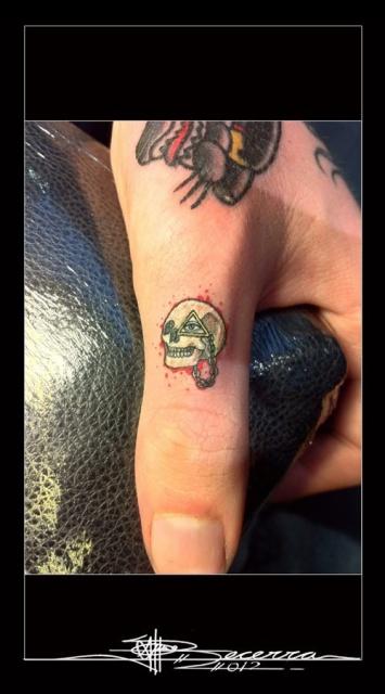 татуировки руки пальцы (14)