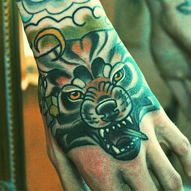 руки татуировки (13)
