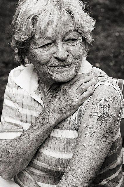 Бабушки в татуировках (4)
