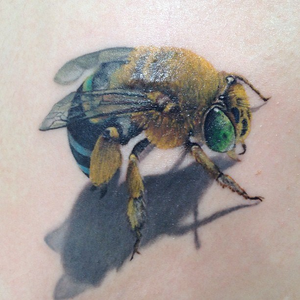 муха татуировка