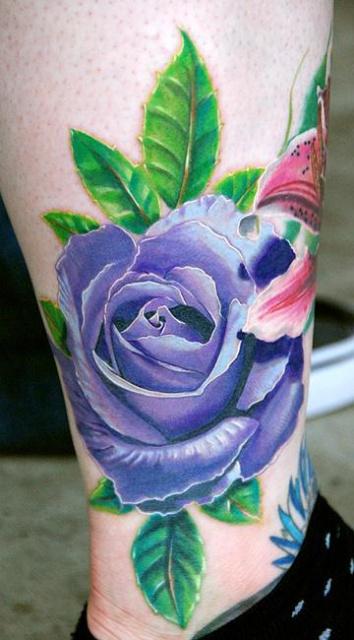 фиолетовая роза татуировка