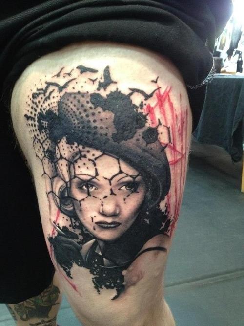 Портрет закрытый вуалью на татуировке