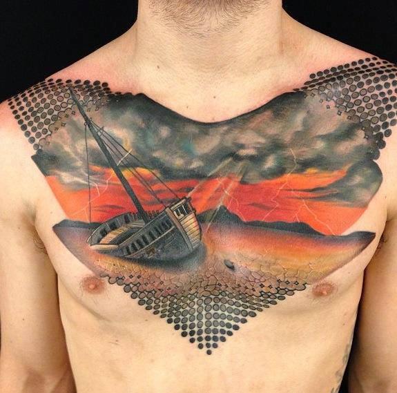 татуировка корабля на мужской груди